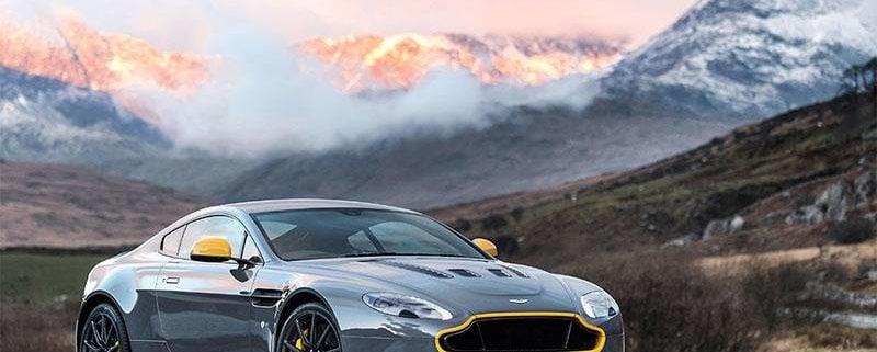Aston Martin Vantage jetzt auch mit Schaltgetriebe