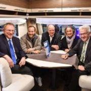 Ministerpräsident Kretschmann besucht Hymer